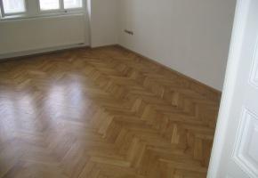 renovace podlah - pokoj Nusle - hotová
