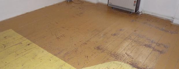 renovace podlahy Na Maninách - před