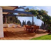 Olej na dřevěné terasy
